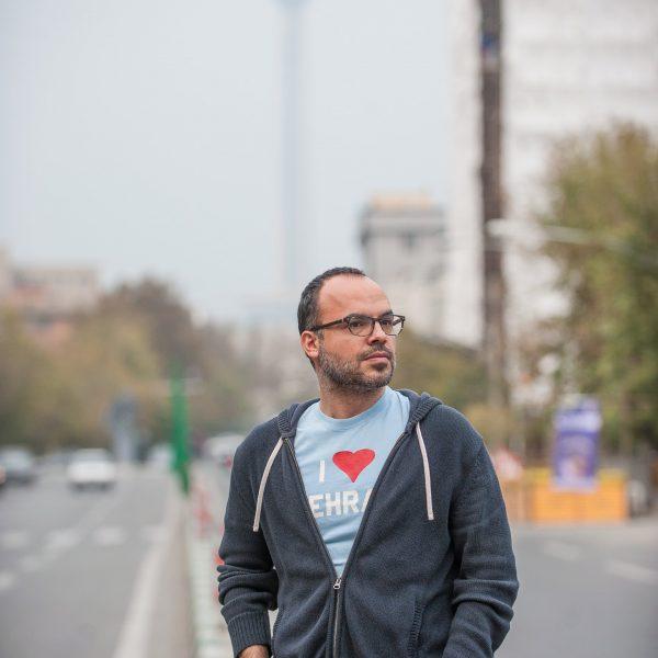 """Иранский блоггер Хоссейн Деракшан, который был лишен свободы в Тегеране на шесть лет за свою деятельность в интернете: """"разнообразие, которое всемирная паутина первоначально предполагала"""" уступило место """"централизации информации"""" внутри нескольких избранных социальных сетей, и её конечная цель - """"сделать нас всех беспомощными по отношению к власти и корпорациям."""""""