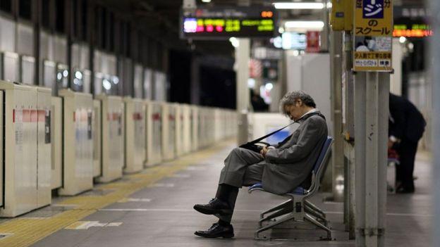 Японский босс имеет сотрудницу фото 295-929